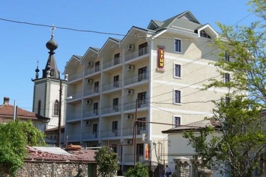 Отель «Крым» (Алушта)