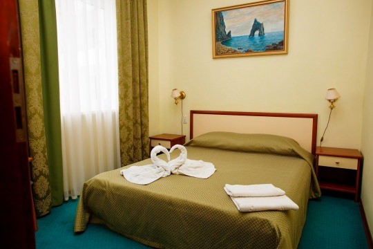 Отель «Гранд» (Судак)